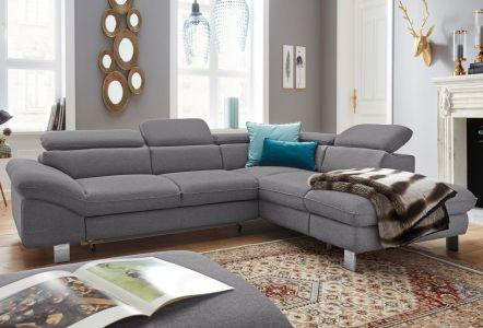 pelēks stūra dīvāns ar metāla kājām