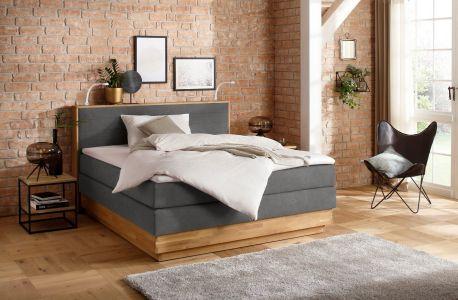 jauna kontinentāla gulta ar atsperēm