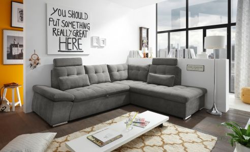 Dīvāns ar pelēku audumu