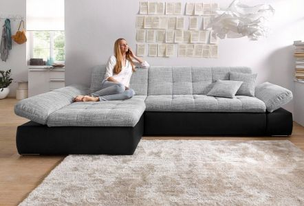 Gaiši pelēks stūra dīvāns ar melnu