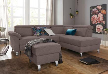 Brūns stūra dīvāns ar koka kājām