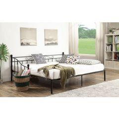 Metāla gulta izvelkama